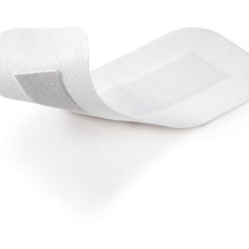 Повязка послеоперационная COSMOPOR E самоклеящаяся стерильная 7,2*5 см